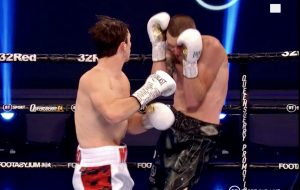 Willy Hutchinson (12-0, 8 KO's) W RSF 1 Ben Thomas (2-3-3, 1 KO) - boxen247.com
