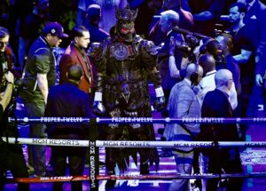 Bicep Injury Also The Reason For Deontay Wilder's Loss Against Tyson Fury? - boxen247.com