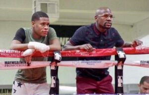 Floyd Mayweather Offers His Services to Deontay Wilder | boxen247.com