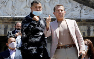 Julio César Chavez Will Tussle With Hector Camacho Jr. in an Exhibition   Boxen247.com
