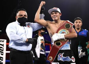 Emanuel Navarrete KOs Christopher Diaz to Retain WBO World Title   Boxen247.com