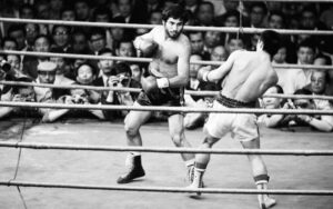 On This Day: Clemente Sánchez Won The Featherweight Title | Boxen247.com