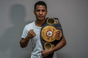 Carlos Cañizales Clashes With Esteban Bermúdez This Friday | Boxen247.com