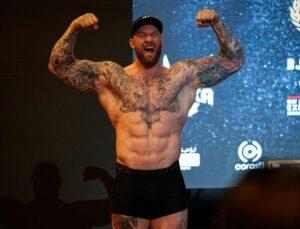 Thor Bjornsson & Simon Vallily Weigh In Ahead Of Tomorrow | Boxen247.com