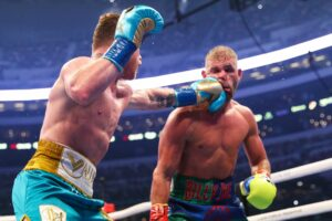 Canelo Knocks Out Saunders in 8 - Caleb Plant Next ?? | Boxen247.com