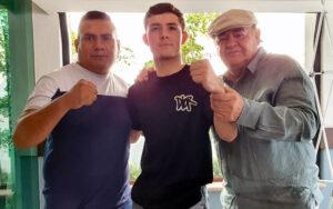 24-0 amateur Johan Álvarez (Canelo's nephew) turns pro next Saturday | Boxen247.com