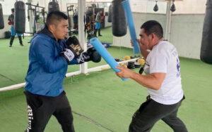 Julio Cesar Martínez gets ready for Joel Cordova | Boxen247.com