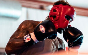 Jermell Charlo trains to face Brian Castaño ahead of July 17   Boxen247.com