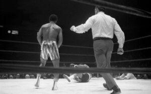On this day: Puerto Rican Estéban de Jesus defended his lightweight title | Boxen247.com (Kristian vs. Sponneck)