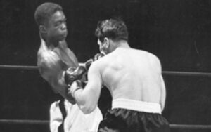 On this day: Ike Williams defeated Sammy Angott | Boxen247.com