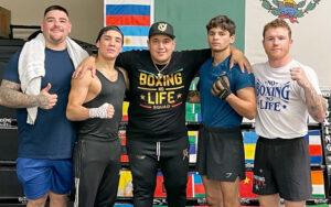 Canelo Team combines in the gym | Boxen247.com (Kristian von Sponneck)