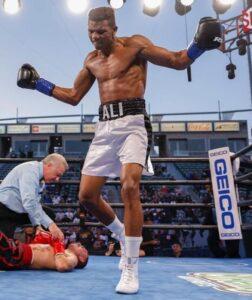 Michel Rivera defeats Jon Fernandez in Carson, California   Boxen247.com (Kristian von Sponneck)