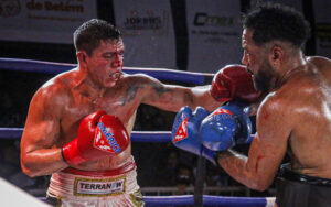 Isaac Rodrigues wins bloody war against Sergio Santos Dantas in Brazil   Boxen247.com (Kristian von Sponneck)
