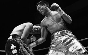 On this day: Malcolm Tunacao defended his flyweight title in Japan   Boxen247.com (Kristian von Sponneck)