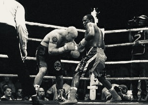On this day: Dingaan Thobela defeated Glenn Catley for world title   Boxen247.com (Kristian von Sponneck)