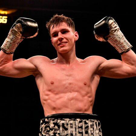 7-0 Callen McCaulay signs with Dennis Hobson's Fight Academy | Boxen247.com (Kristian von Sponneck)