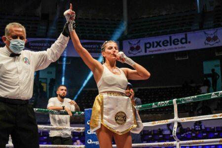 Verónica Zuluaga Aguascalientes, मेक्सिको मा Danna Delgado लाई हरायो | Boxen247.com (क्रिस्टियन वोन Sponneck)