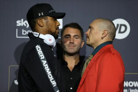 Joshua and Usyk showed their weapons at press conference | Boxen247.com (Kristian von Sponneck)